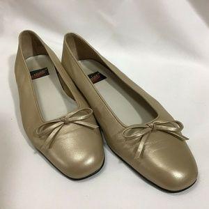 Aerosoles 6 B Gold Leather Ballet Flats Bow Flats